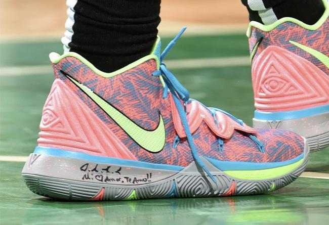 Nike,Kyrie 5,欧文  醒目马卡龙色配色!欧文上脚 Kyrie 5 PE 战靴!