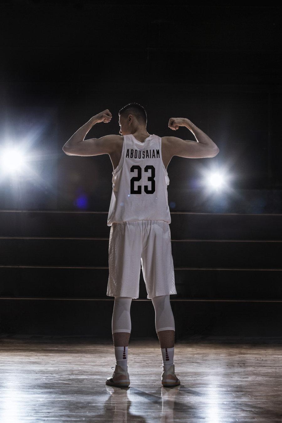 converse,发售,All Star Pro BB Co  中国男篮主力加盟 Converse!还上脚了匡威最新篮球鞋!