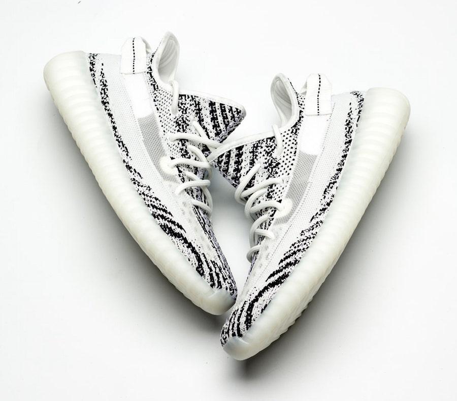 adidas,Yeezy 350 V2,白斑马  侧透白斑马 Yeezy 350 V2 首次曝光!只是你有可能买不到...