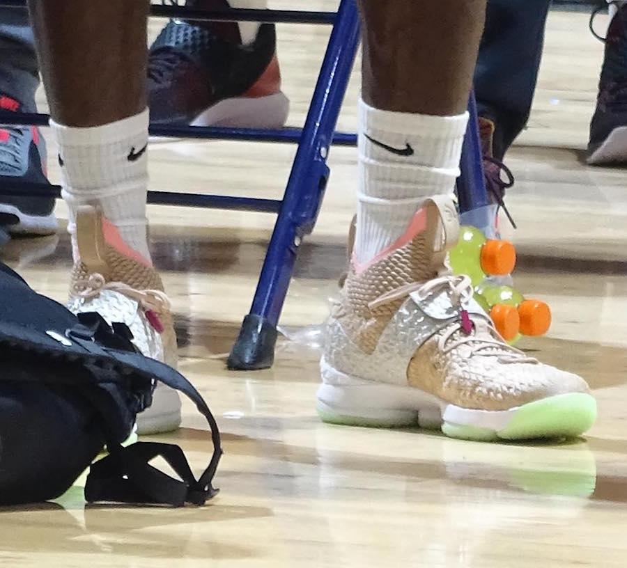 Nike,LeBron 15,詹姆斯,上脚  Air Yeezy 1 x LeBron 15 你见过吗?詹姆斯已经上脚了!