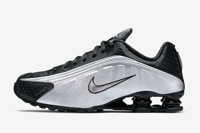 Nike,Shox R4,104265-045,104265  金属质感鞋面 + 超大气柱!Nike Shox R4 上脚超炫酷