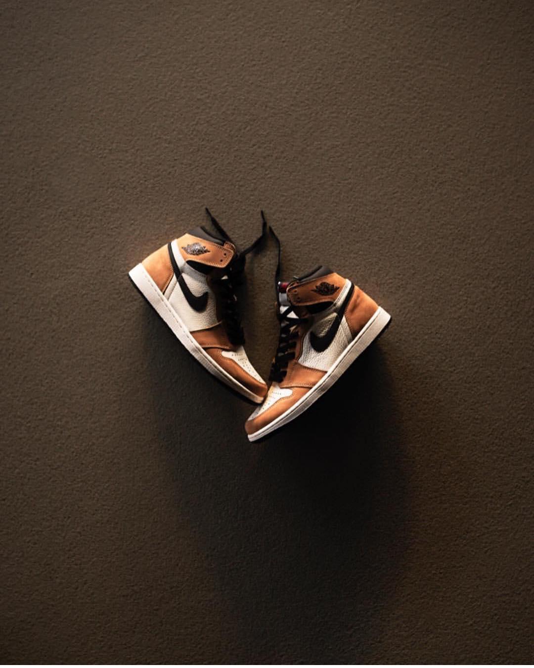 AJ1,Air Jordan 1  近期 AJ1 市场价走低,但两大「鞋王」新配色即将到达战场...