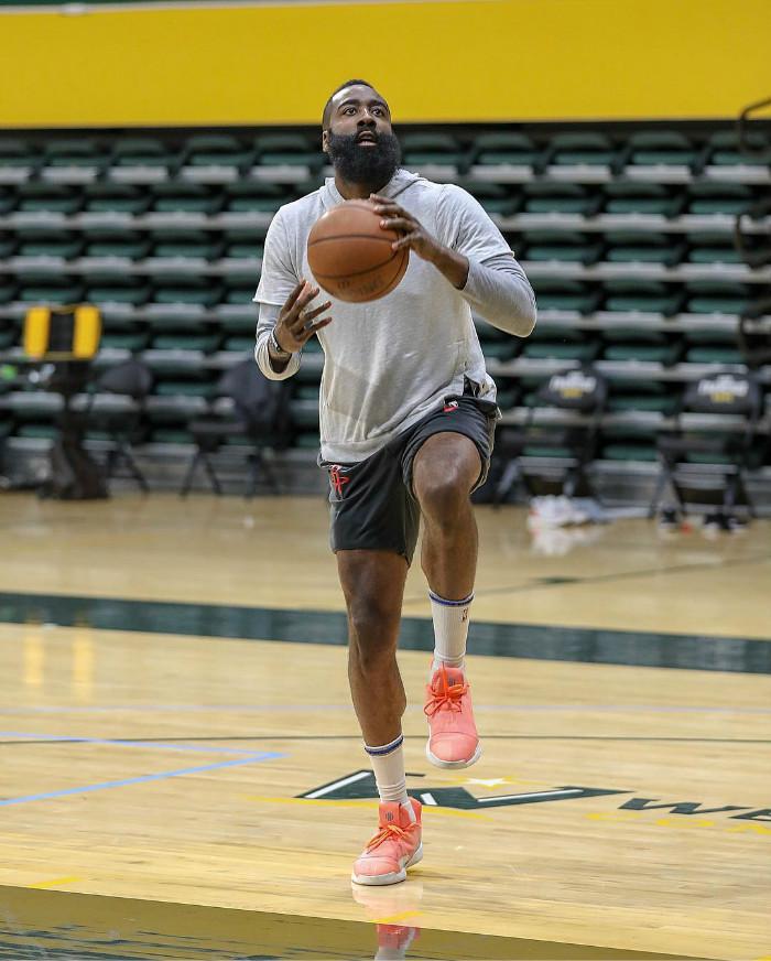 PJtucker,塔克,Nike,NBA,球鞋上脚  狠货看花眼!「鞋王塔克」晒出未市售 Nike x FOG 新配色!