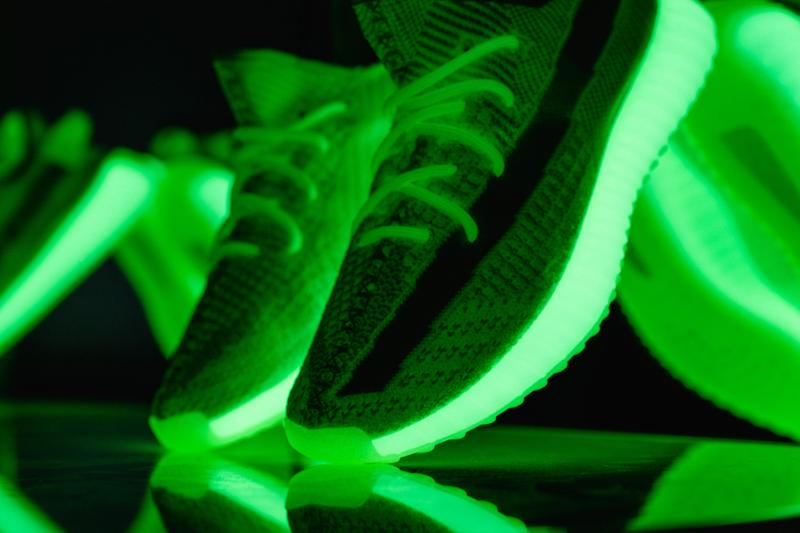 Yeezy Boost 350 V2,adidas,发售,E  夜光 Yeezy 350 V2 最新实物图曝光!看完小编就种草了!