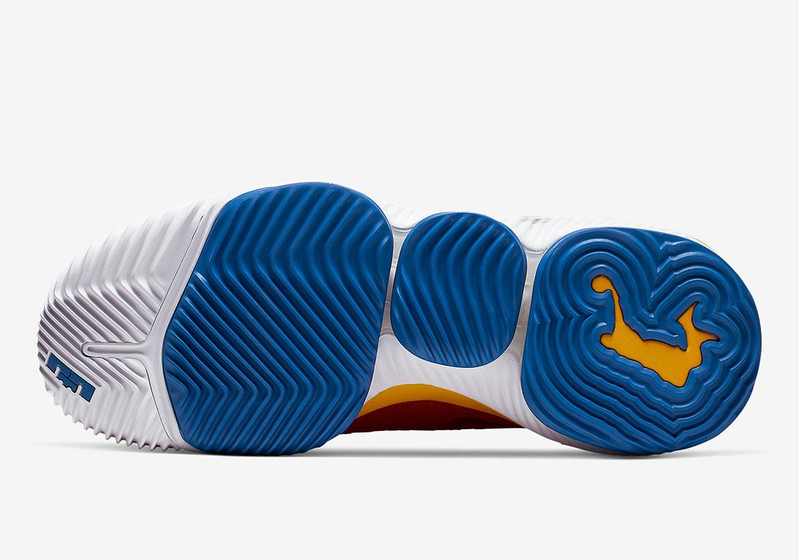 "LeBron 16 Low,Nike,发售,CK2168-6  又见经典超人配色!LeBron 16 Low ""SuperBron"" 即将发售"