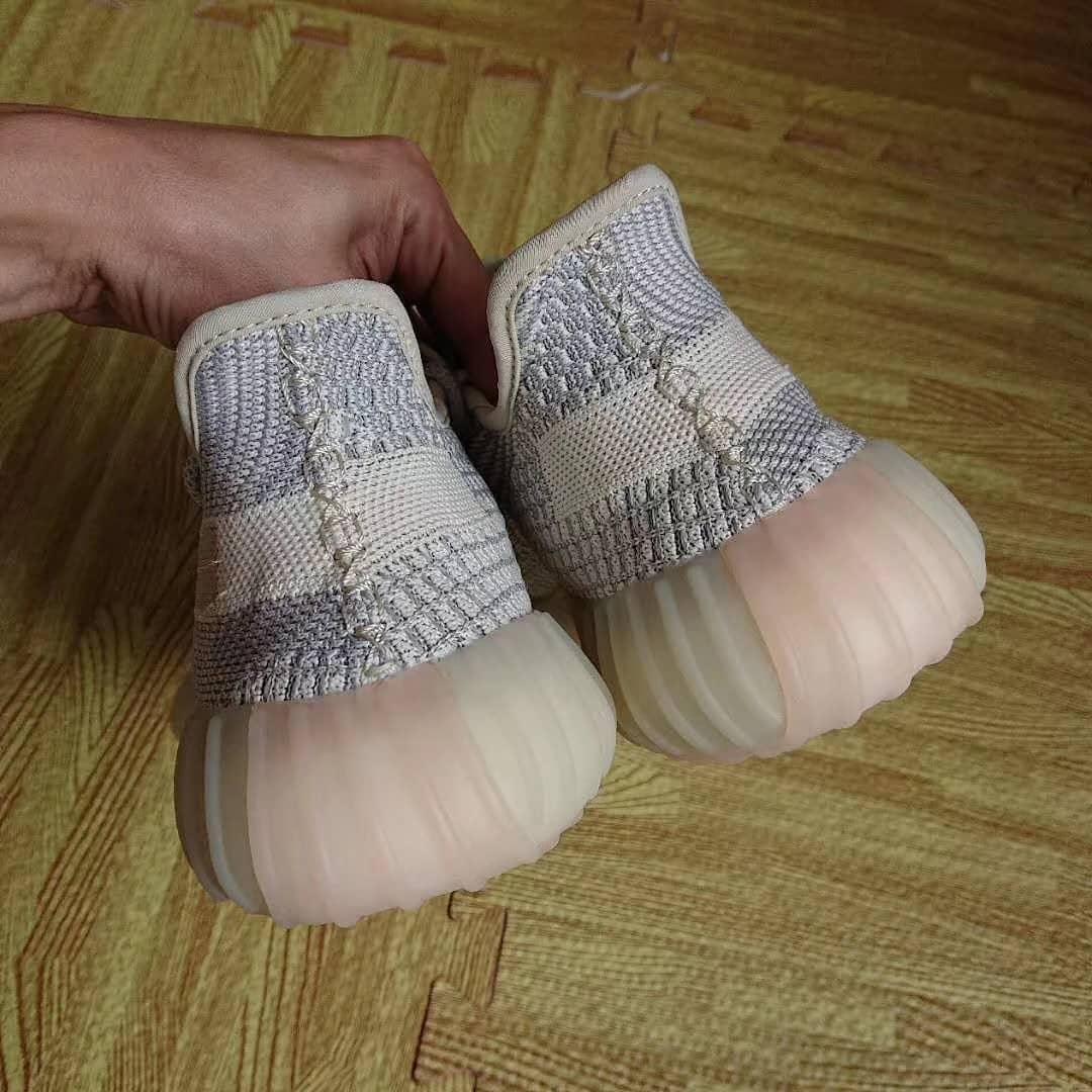 Yeezy Boost 350 V2,adidas,发售  芝麻侧透 Yeezy 350 实物图再度曝光!后跟鞋提没了?