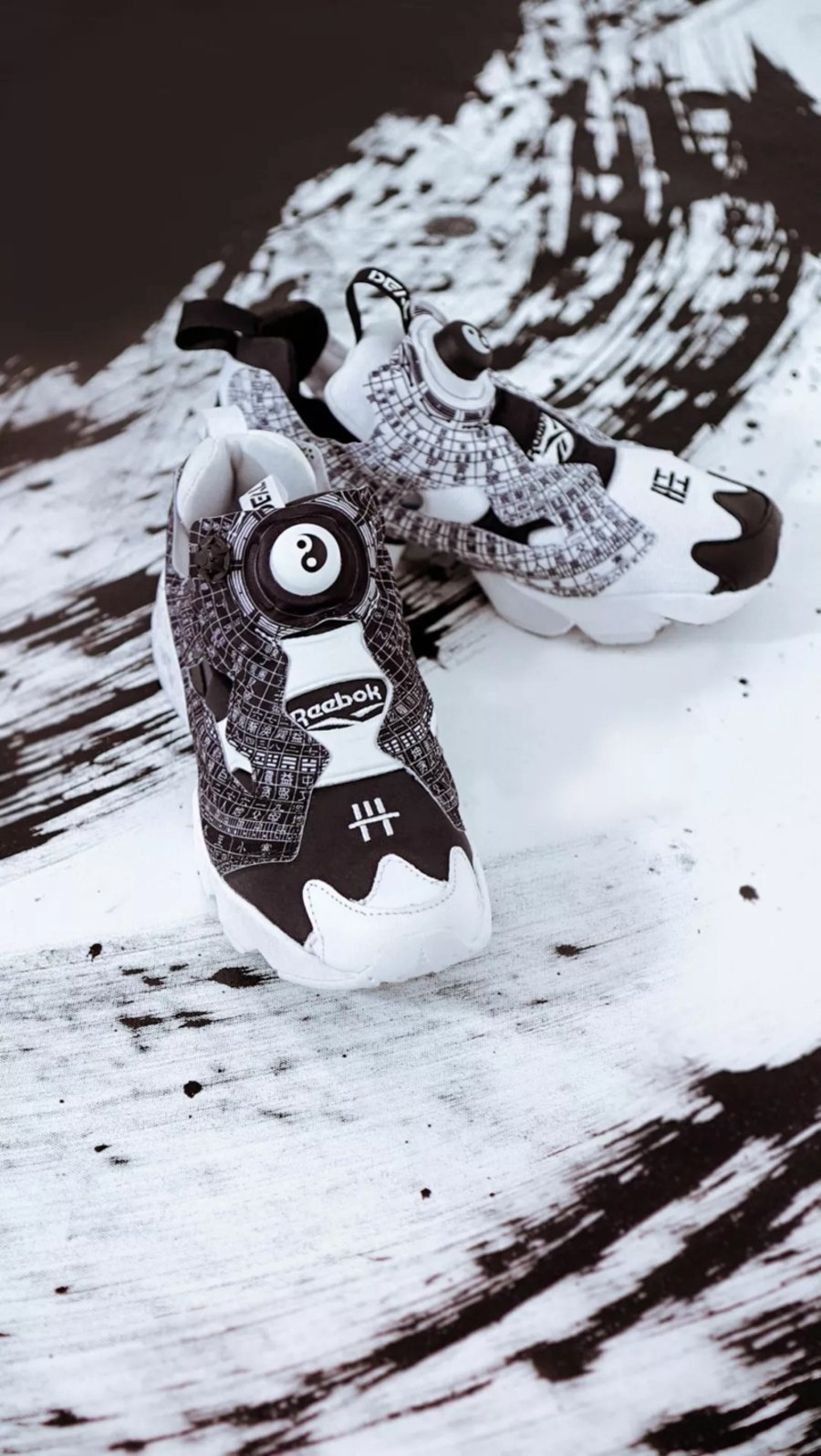 Rebook  鞋面融合风水元素!DEAL x Reebok 联名鞋款即将发售!
