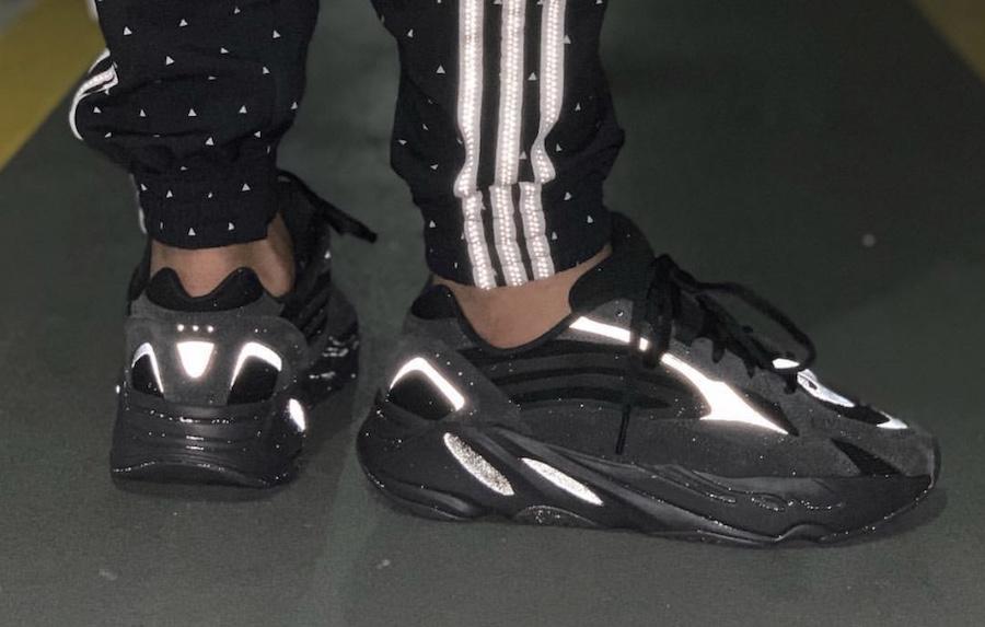 Yeezy 700 V2,Yeezy 350 V2,发售,F  碳黑 Yeezy 700 V2 官图释出!还有无鞋提侧透新品曝光!