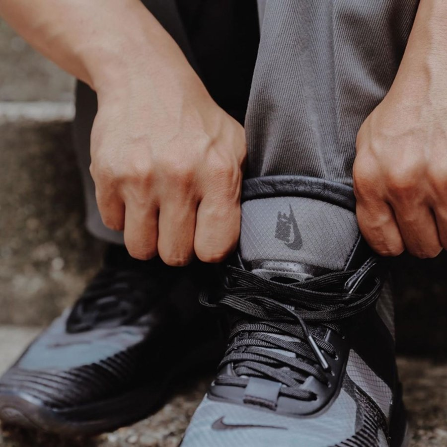 Nike,LeBron Icon,AQ0114-001,上脚  帅气黑魂装扮!LeBron Icon 最新上脚图释出!