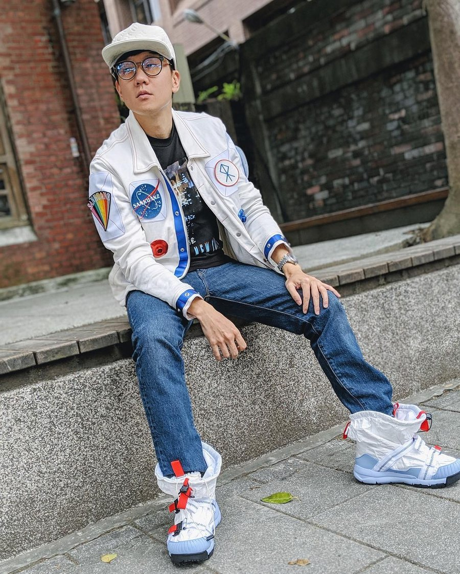 明星,上脚  当明星是为了买球鞋?下一个「娱乐圈鞋王」可能就是他!