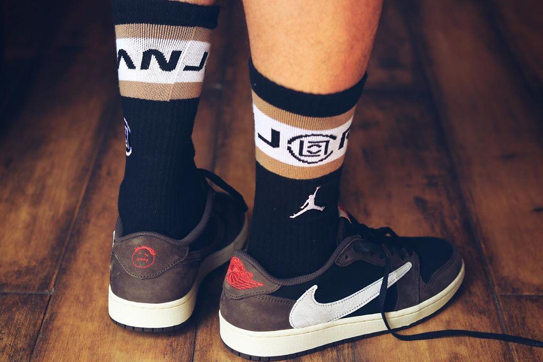 反钩,Air Jordan 1,AJ1,上脚,发售,CQ42  低帮反钩 Air Jordan 1 上脚图来了!看完这双你还得冲!