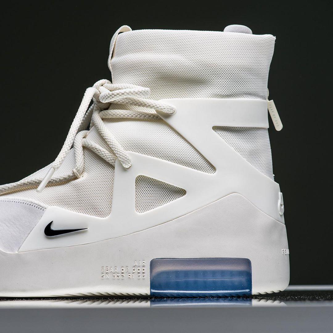 Nike,FOG,Fear of God,发售,AR4237  市场价破五千!纯白 Air Fear of God 1 国内不发了?