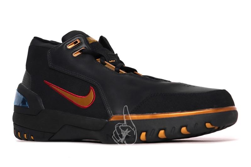 Nike,Air Zoom Generation  售价高达 00 美元!詹皇未市售 PE 配色现身网络!