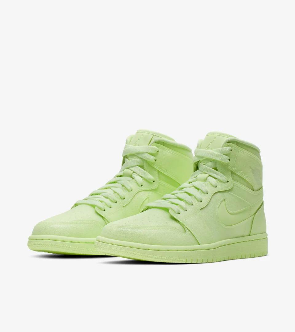 AJ1,Jordan,adidas,Nike  满天星 AJ1、美限 Yeezy 350 V2!七月重点球鞋成为 Nike 主场!