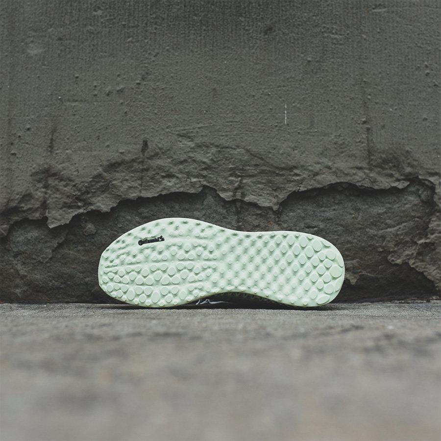 D96972,Runner Mid 4D,4D,adidas D96972 发售价高达 ¥3999 RMB!中帮袜套的 4D 跑鞋来了!