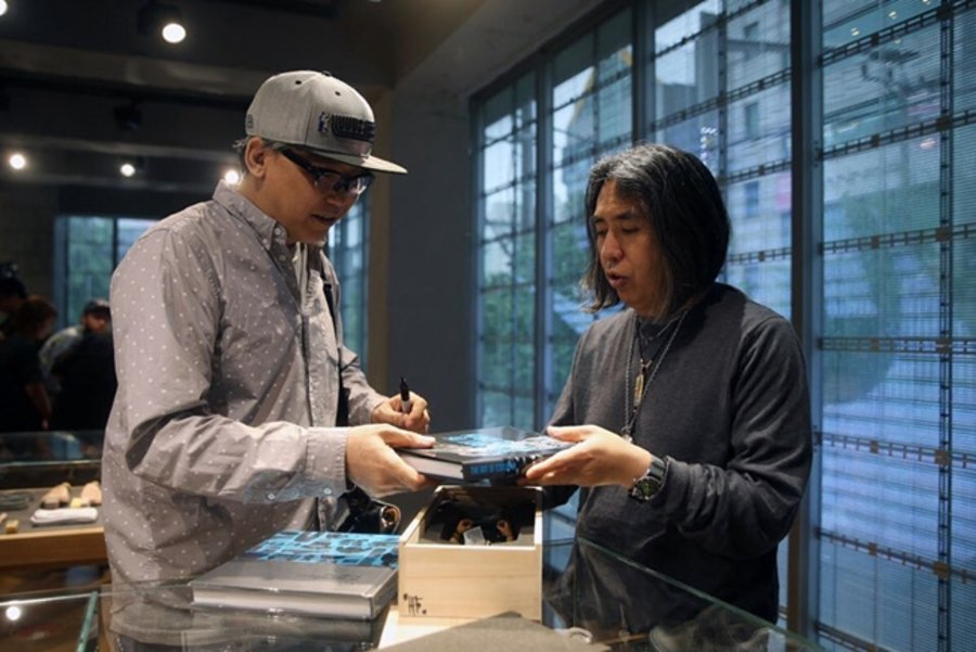 Nike,Coolrain Lee,OFF-WHITE,Ai  藤原浩都给他点赞!他制作的芝加哥 OW x AJ1,有钱也买不到!