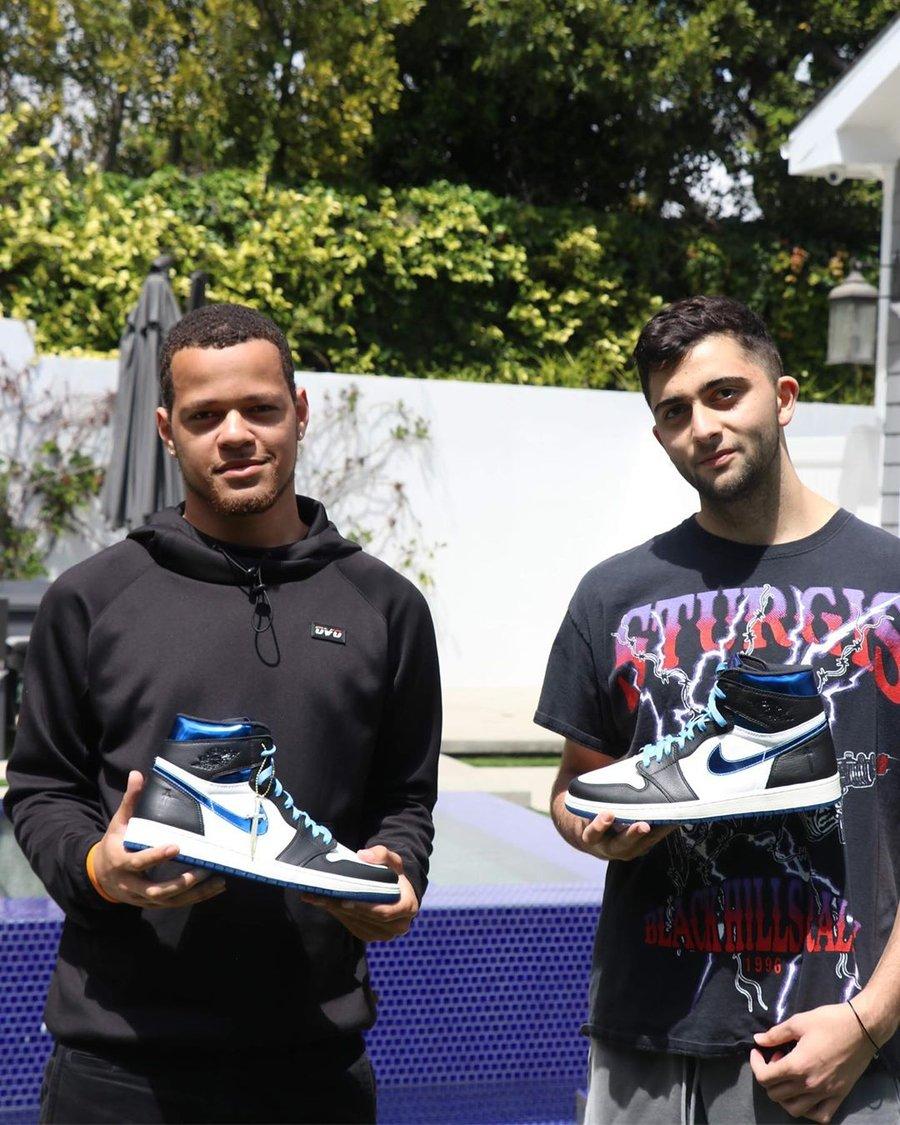 Jordan,AJ1,Nike  这双 Nike 官方打造的「大宝剑」AJ1!有钱你也买不到!