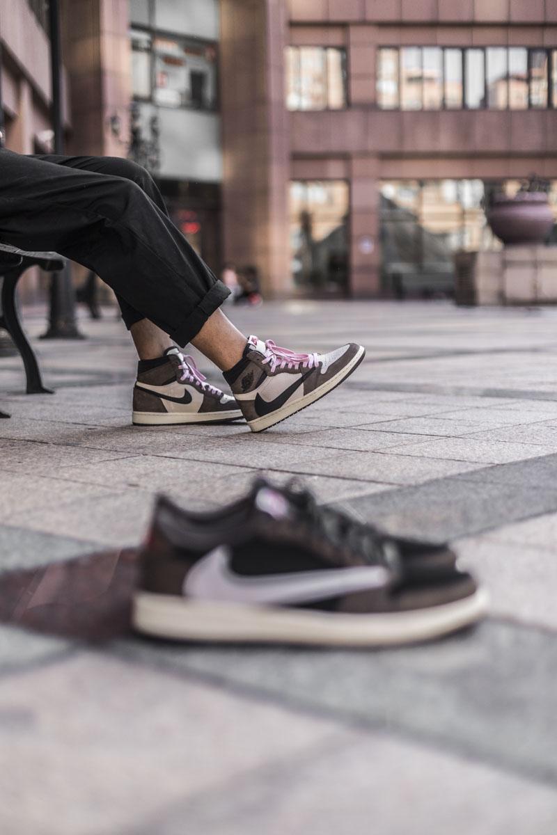 Nike,Travis Scott,Air Jordan 1  除了怒∮涨两千的低帮反勾,近期「话题鞋款」小编都穿�y了!
