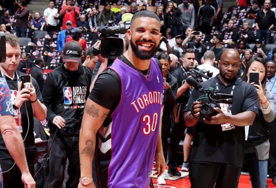 Nike,Shox BB4,发售  Drake 同款猛龙配色来袭!Nike Shox BB4 本周末发售