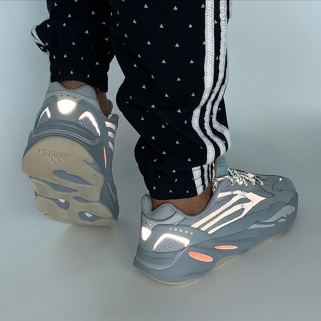 Yeezy Boost 700 V2,  年度流行色+3M 反光鞋身!新惯性 Yeezy 700 V2 将下月发售!
