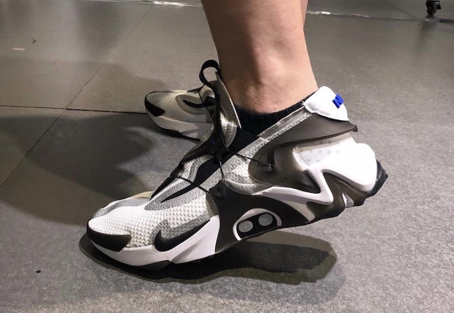 Nike,Adapt Huarache,发售,上脚  能让 Siri 帮你系鞋带!Nike Adapt Huarache 中秋发售