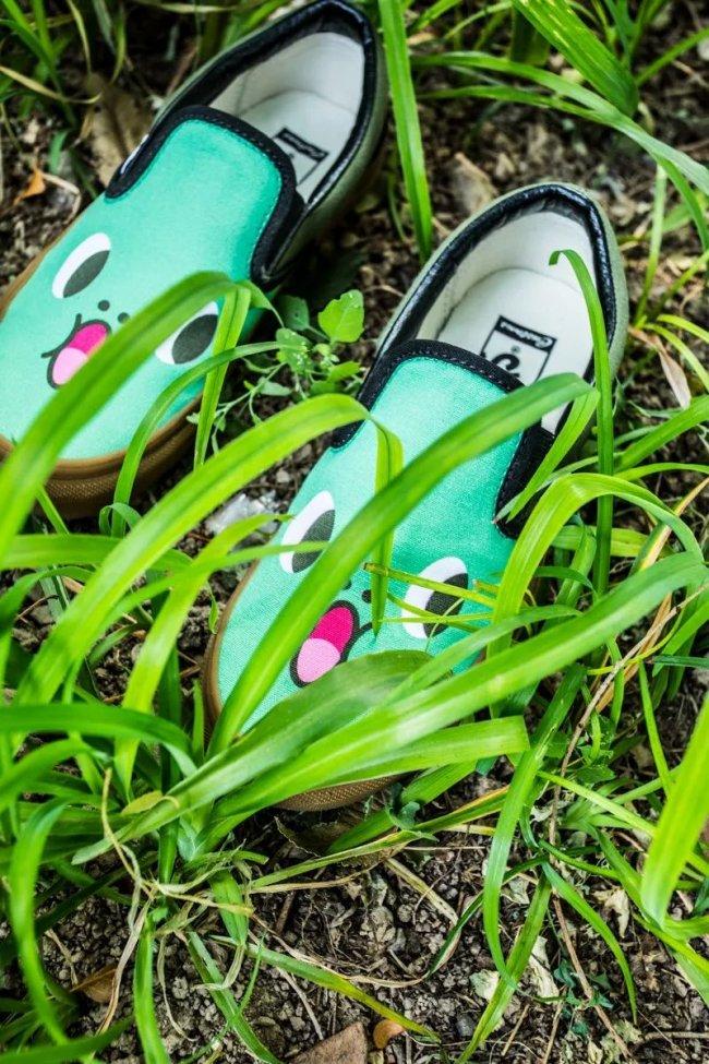 Vans  Vans 推出个人传图定制!终于可以在鞋子上为所欲为了!