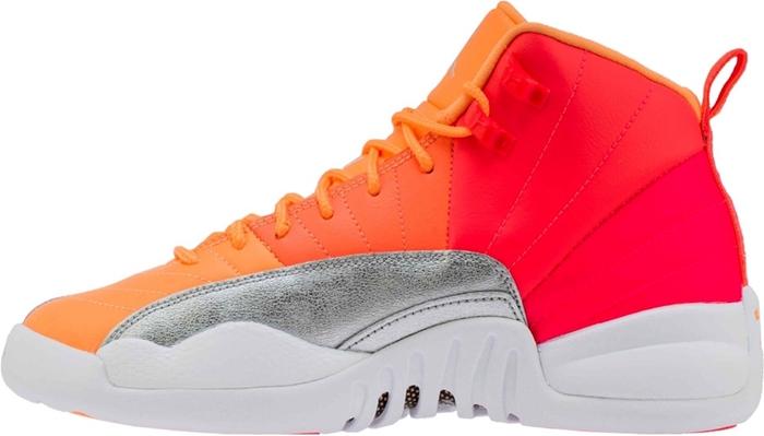 Air Jordan 12 GS,世博国际注册12,Hot Punc  实物首次曝光!霓虹渐变 Air Jordan 12 即将发售!