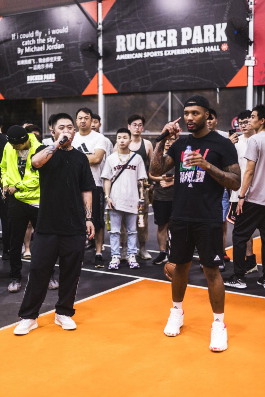 利拉德,明星,上脚  NBA 第一 Rapper 又来中国了!除了唱歌,还带来新鞋的消息!