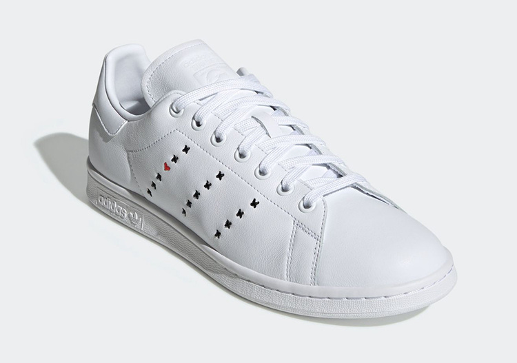 "adidas,Stan Smith,Heart Stripe 造型简约却有丰富内涵!Stan Smith ""Heart Stripe"" 即将发售!"