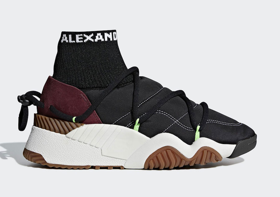 adidas,Prada 太刺激了!Prada 将与 adidas 带来联名鞋款