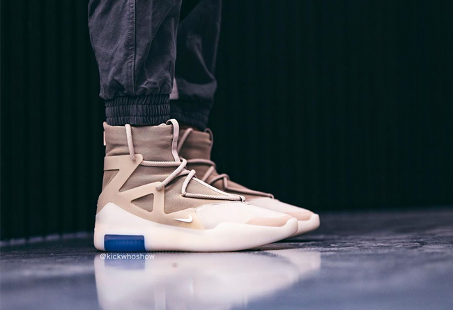 Nike,Air Fear of God 1,AR4237-  上脚有点好看!大地色 Air Fear of God 1 下周就发售