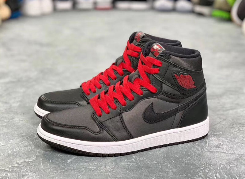 """黑红绸缎,AJ1,Air Jordan 1 High OG, 绸缎家族新成员!黑红 Air Jordan 1 """"Black Satin"""" 明年 1 月发售!"""