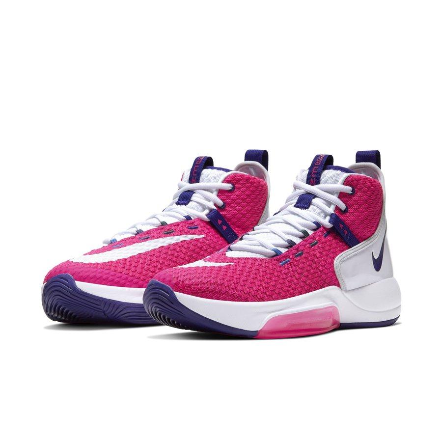 Nike,LeBron Soldier 13,Nike Zo  标志性粉色装扮!两款 Nike 抗乳腺癌新品官图释出