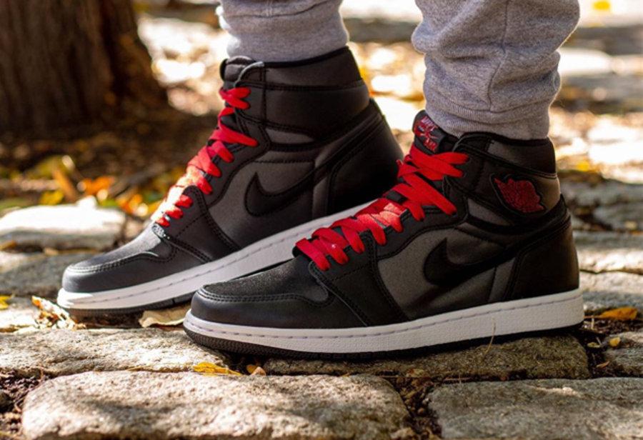 Air Jordan 1,aj1,发售 绸缎材质 + 黑红色调!最新上脚图释出,这双 AJ1 你冲不冲?