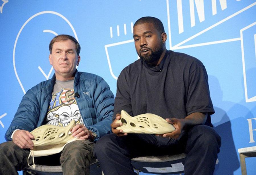 adidas,Yeezy Foam Runner,侃爷,明星  侃爷亲自证实!Yeezy 洞洞鞋用藻类打造,又一双环保鞋诞生