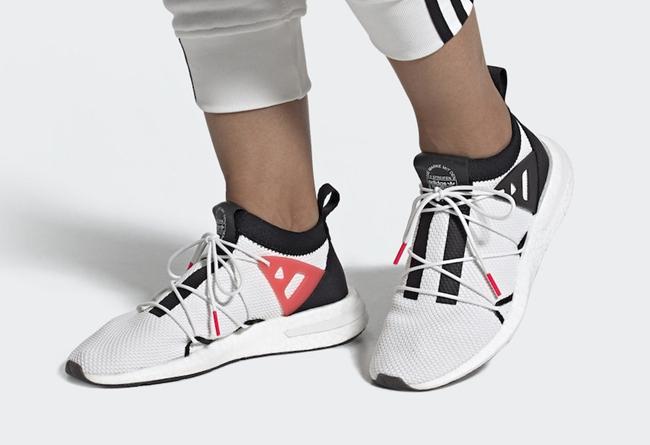 adidas,Arkyn,EE5316 经典黑白配色登场!全新 adidas Arkyn 现已发售!