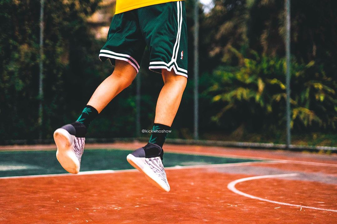 adidas,Yeezy Quantum Kanye 又一里程碑!Yeezy 篮球鞋即将发售,「年度狠鞋」终于来了
