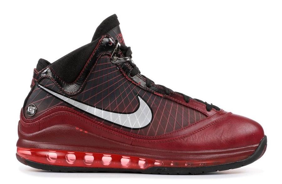 "Nike,LeBron 7,发售,LBJ7 久违的圣诞大战鞋款!LeBron 7 ""Christmas"" 下月即将回归!"