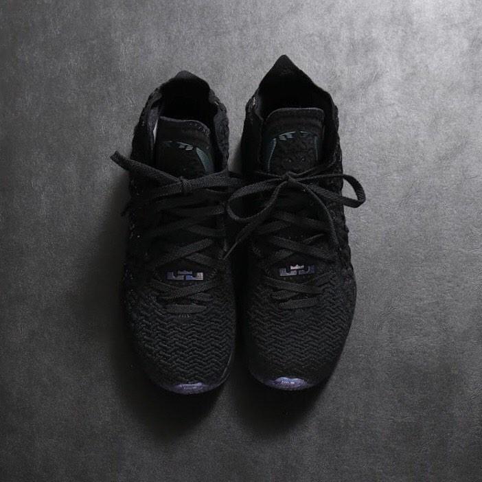 Nike,LeBron,BQ3177-001  冷酷黑紫!变色龙配色 Nike LeBron 17 现已发售!