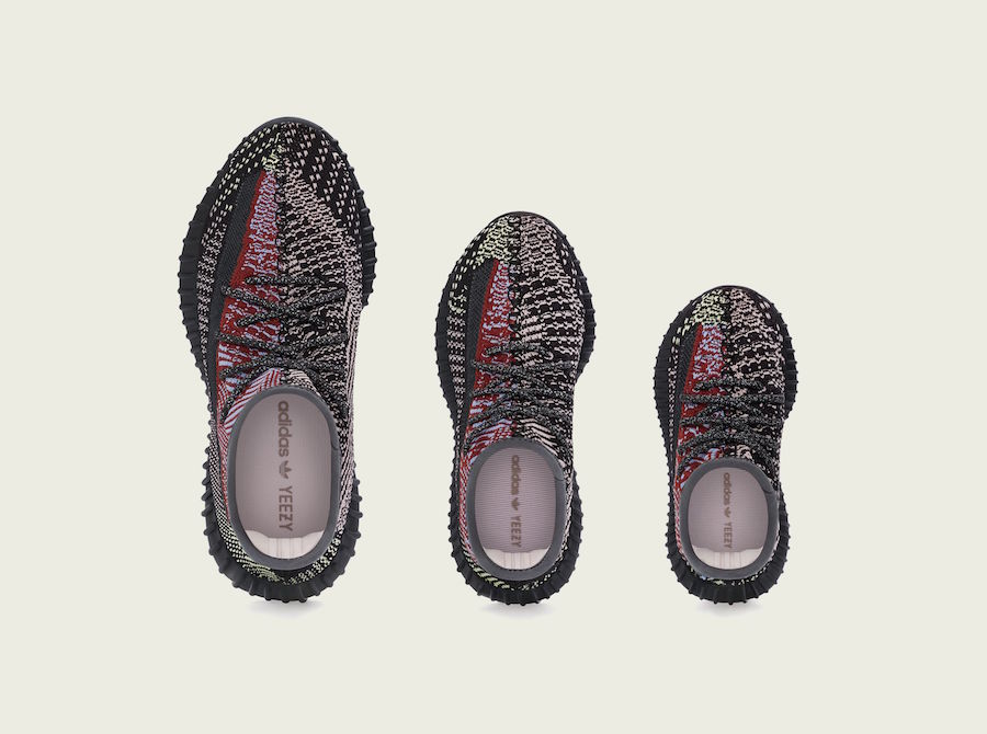 Yeezy 350 V2,adidas,发售,FX4145,  可能是近期「最香」配色!黑红补丁 Yeezy 350 V2 下周发售