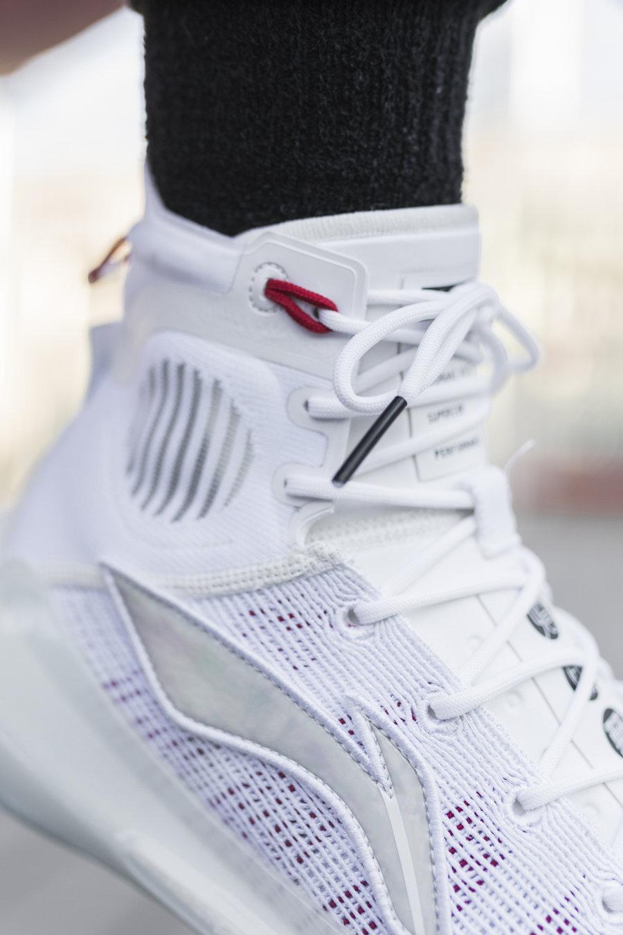 李宁,驭帅 13,发售,开箱,上脚 苦等半年的「真·顶配战靴」来了!别只看到大碳板和黑科技!