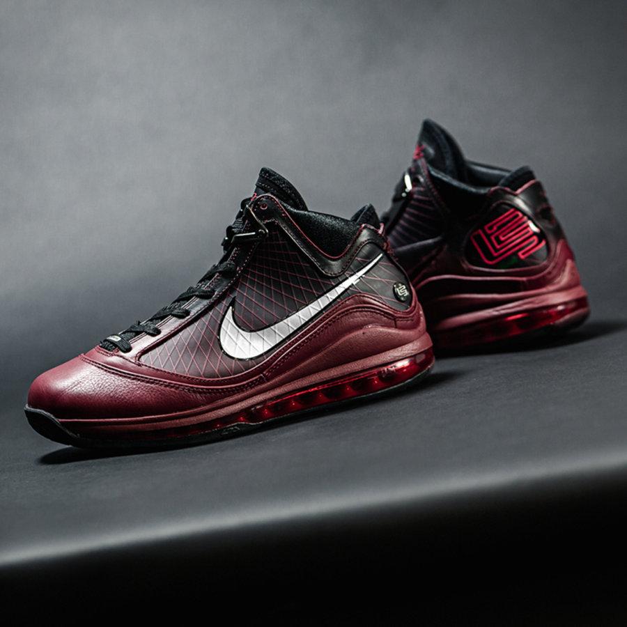 Nike,LeBron 7,Christmas,CU5133 无预警上架!LeBron 7 圣诞配色复刻!明日正式发售!