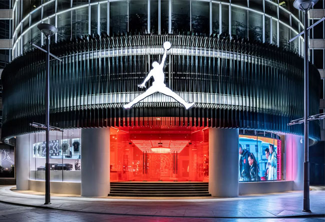 Air Jordan,AJ,CNY,AJ13,AJ34  每個球鞋玩家都該去!全國最大 Jordan 旗艦店剛剛開業!重磅搶先發售