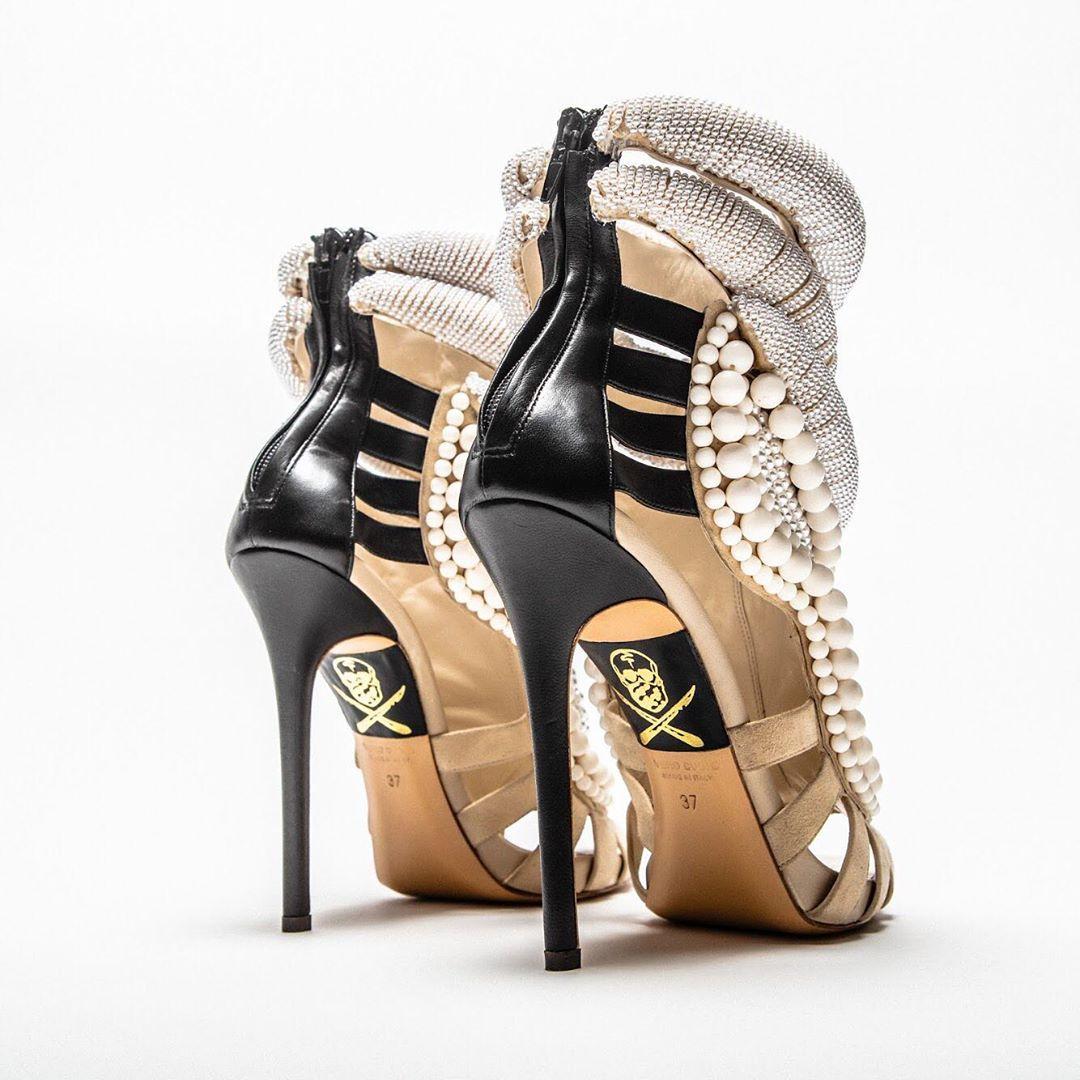 The Shoe Surgeon,AJ1,Air Jorda 顶级球鞋玩家的快乐,你根本想象不到!OW x AJ1 都是日常搭配...