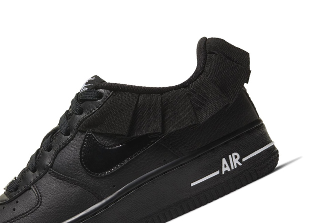 Nike,Air Force 1 Low 「黑天鹅」造型一秒吸睛!这双 Air Force 1 好评刷爆评论区!