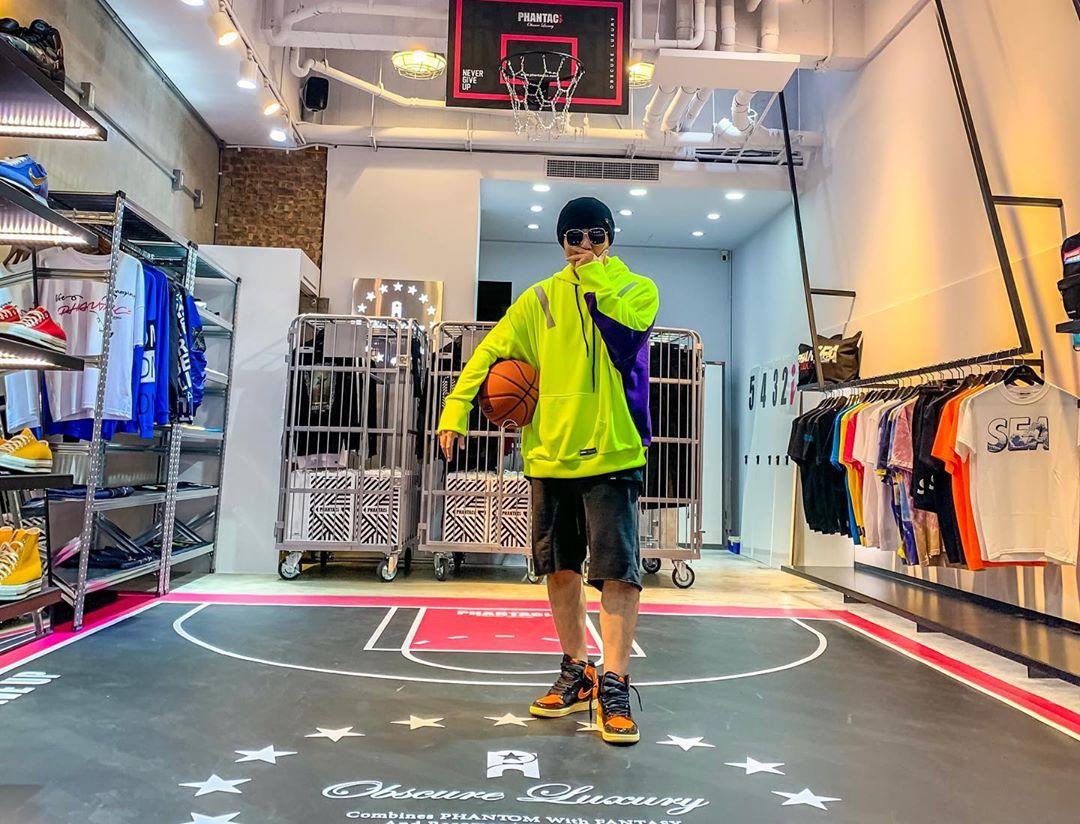 Nike,adidas,OFF-WITE 冠希给他疯狂点赞!2019 年周杰伦晒了多少双重磅球鞋?