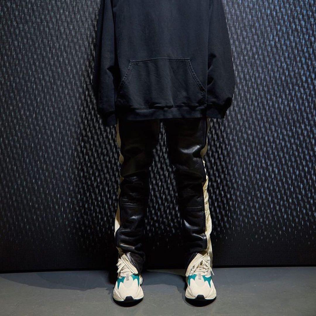 Yeezy 700,adidas,White Teal,发售 小白鞋造型示人!这双 Yeezy 700 新品能让你大呼真香么!