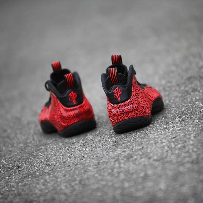 Nike,Air Foamposite One,Lava,3 质感独特的黑红装扮!吸睛度超高的「熔岩喷」即将发售!
