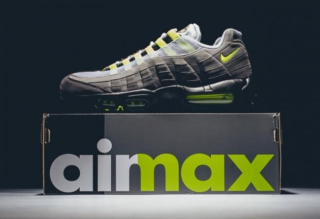 Air Max 95,Air Jordan 4,Neon,发  后跟 + 鞋带反光!这次的 Air Jordan 4 新配色能不能换宝马?