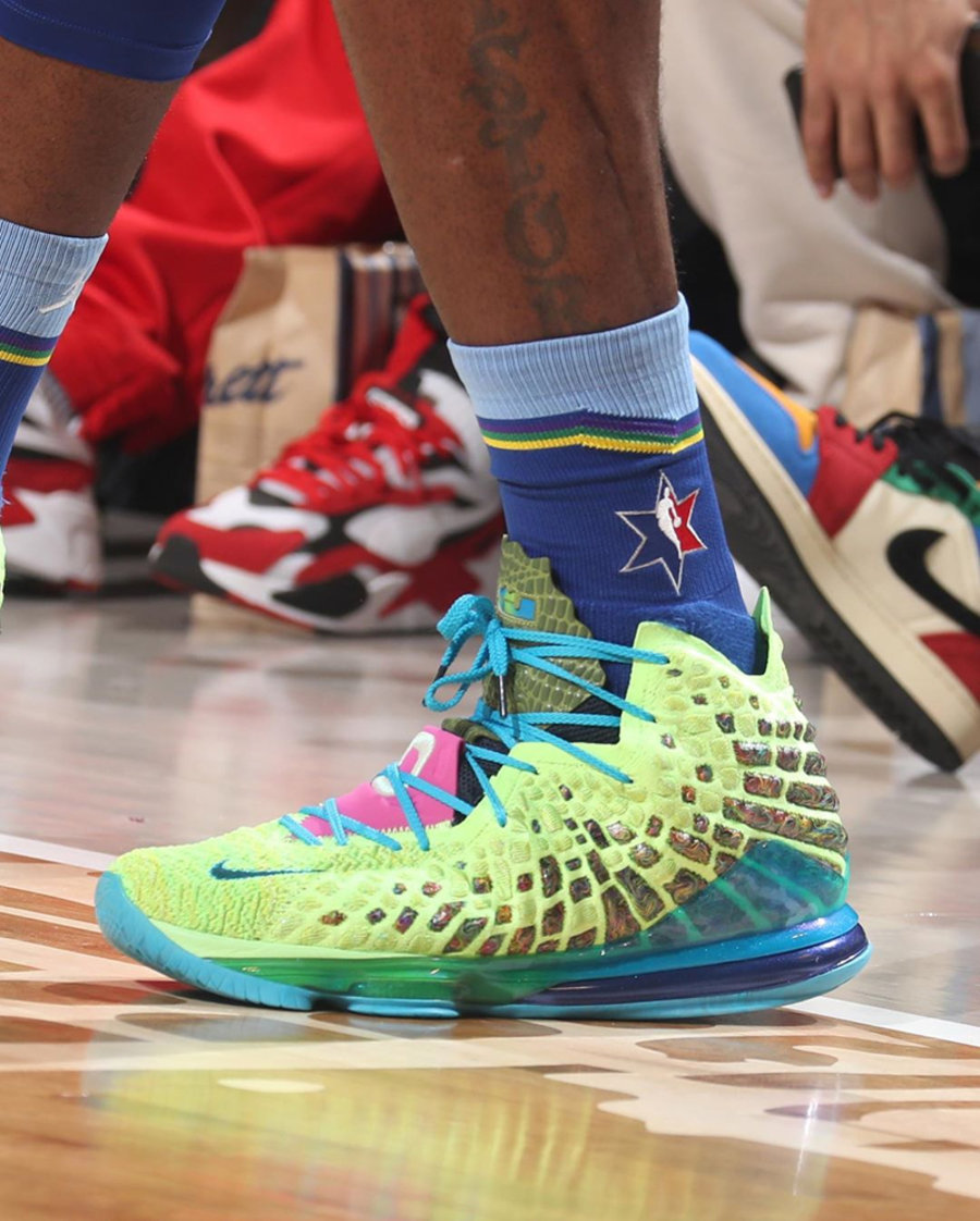 LeBron 17,Nike,发售,明星,上脚,CV8075 詹姆斯全明星赛上脚!空中大灌篮 LeBron 17 还有隐藏配色!